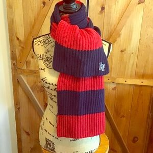 100% wool Abercrombie & Fitch scarf